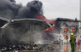 Hỏa hoạn tại kho chứa rác nằm trong Cụm công nghiệp Khánh Nhạc