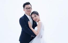 Á hậu Thúy An tung ảnh cưới với chồng tiến sĩ hơn 12 tuổi
