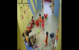 Kéo trẻ vào góc khuất camera, cô giáo mầm non đánh 4 trẻ gây bức xúc