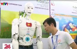 Robot Việt Nam biết giải toán, đọc thơ, có thể đảm nhận vị trí trợ giảng