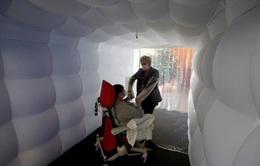 """Nhà """"bong bóng"""" đặc biệt giúp người cao tuổi tại Pháp bớt cô đơn trong thời kỳ dịch"""