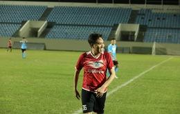 Dàn cầu thủ và nghệ sĩ đá bóng gây quỹ ủng hộ đồng bào miền Trung