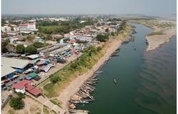 Mực nước sông Mekong đoạn qua Thái Lan thấp nhất trong 10 năm