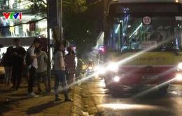Hà Nội: Nhiều xe bus dừng đỗ vi phạm luật