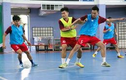 ĐT Futsal Việt Nam tập nhẹ trong buổi tập đầu tiên tại Tây Ban Nha