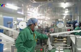 Nhiều tập đoàn ô tô Trung Quốc tham gia sản xuất khẩu trang