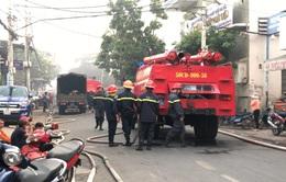 Cháy công ty hóa chất tại TP.HCM
