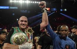 Hạ knock-out Deontay Wilder, Tyson Fury giành đai WBC hạng nặng thế giới