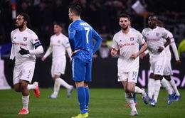 ẢNH: Lyon bất ngờ đánh bại Ronaldo và các vị khách Juventus