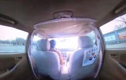 Muôn cách phòng chống dịch COVID-19 cho tài xế và hành khách