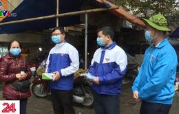 Tỉnh Lào Cai phát khẩu trang miễn phí cho người dân