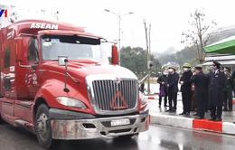 Thông quan hàng xuất khẩu ùn ứ tại cửa khẩu Hữu Nghị