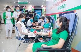 Gần 1.000 người tham gia hiến máu khắc phục thiếu máu sau Tết