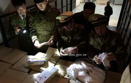 Lạng Sơn: Tạm giữ 35.000 khẩu trang và găng tay cao su không rõ nguồn gốc