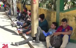 Mỹ mua dữ liệu điện thoại theo dõi người nhập cư