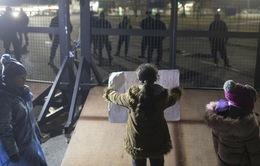 Hungary tạm đóng cửa biên giới với Serbia trước làn sóng nhập cư
