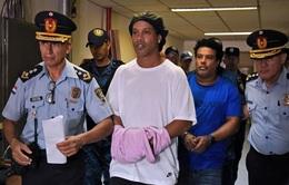 Ronaldinho vẫn đang hợp tác tốt với các nhà chức trách Paraguay