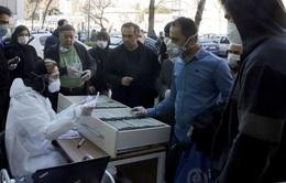 Hàng chục người chết ở Iran vì uống rượu để trị COVID-19