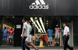 Hãng Adidas và Puma lo ngại kinh doanh đình đốn