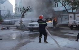 Bình Thuận: cháy xe ôtô chở người xịt khử trùng COVID-19