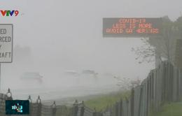 Mỹ: Tuyên truyền phòng chống COVID-19 bằng biển báo giao thông