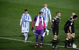 Lo sợ Covid-19, đội bóng ở Italia... đeo khẩu trang thi đấu