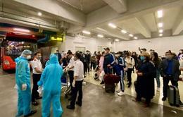 Không lấy mẫu xét nghiệm và khai y tế tại sân bay