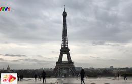 Paris tĩnh lặng sau khi áp dụng lệnh giới nghiêm