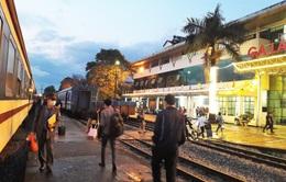 Đường sắt dừng chạy tàu du lịch, xem xét giảm tần suất tàu thống nhất