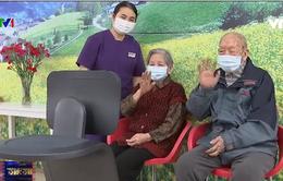 Robot giúp người già liên lạc với người thân