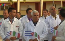 Cuba cử chuyên gia y tế hỗ trợ Italy đối phó đại dịch COVID-19