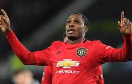 """Vì COVID-19, Man Utd tính """"chốt"""" nhanh tiền đạo của Shanghai Shenhua"""