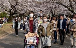 Nhật Bản nâng mức cảnh báo với dịch COVID-19