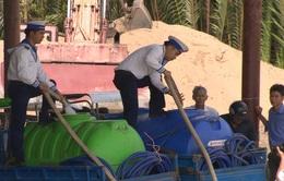 Hải quân tăng cường đưa nước ngọt đến vùng hạn mặn