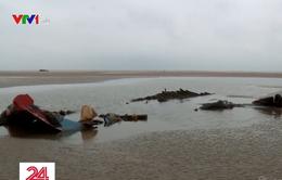 Cửa biển tại BR-VT bị bồi lấp, tàu cá liên tục mắc cạn