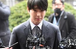 Choi Jong Hoon nhận án tù vì tội hối lộ và phát tán video cảnh nóng