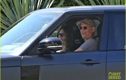 Vợ chồng Tom Hanks đã trở về Mỹ