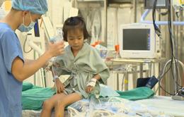 """""""Trái tim cho em"""" hỗ trợ phẫu thuật tim kịp thời cho bệnh nhi 5 tuổi"""