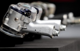 Các đội đua xe F1 tham gia sản xuất thiết bị y tế, hỗ trợ công tác điều trị COVID-19