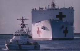 Mỹ điều tàu quân y hỗ trợ các thành phố chống dịch COVID-19