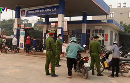 Mối nguy từ việc người dân đổ xô mua xăng tích trữ
