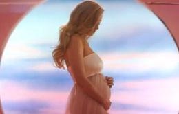 Katy Perry: Mang thai là bí mật lâu nhất tôi cất giữ