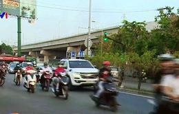 """TP.HCM: Giao thông """"căng thẳng"""" tại giao lộ Điện Biên Phủ và Ung Văn Khiêm"""