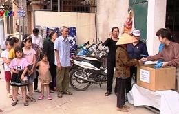 Tự may 40.000 khẩu trang dành tặng xóm làng