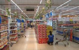 Các cửa hàng kéo dài giảm giá trước Black Friday