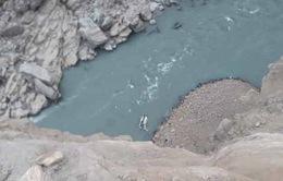 Xe khách lao xuống sông tại Pakistan, 20 người thiệt mạng