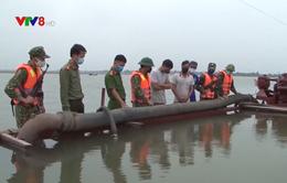 Hà Tĩnh bắt tàu khai thác cát trái phép