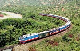 Đường sắt chỉ còn chạy một đôi tàu khách Bắc - Nam nối Hà Nội và TP.HCM