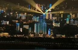 Cận cảnh màn trình diễn ánh sáng mừng kết thúc phong tỏa của thành phố Vũ Hán