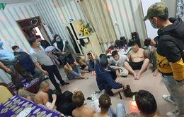 """23 nam nữ thuê khách sạn để mở """"tiệc ma túy"""" giữa mùa dịch"""
